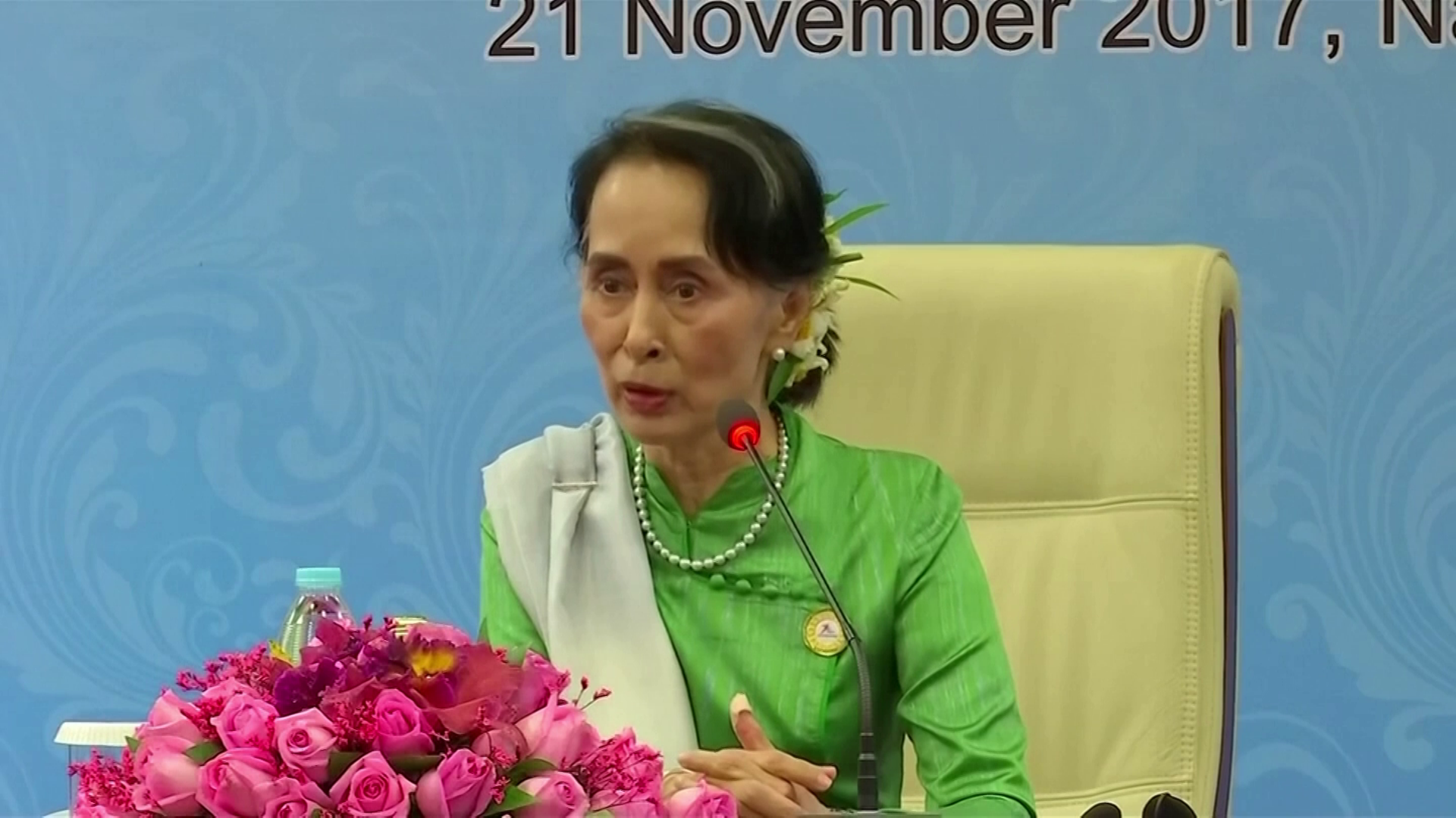 Aung San Suu Kyi permanece muito popular em Mianmar