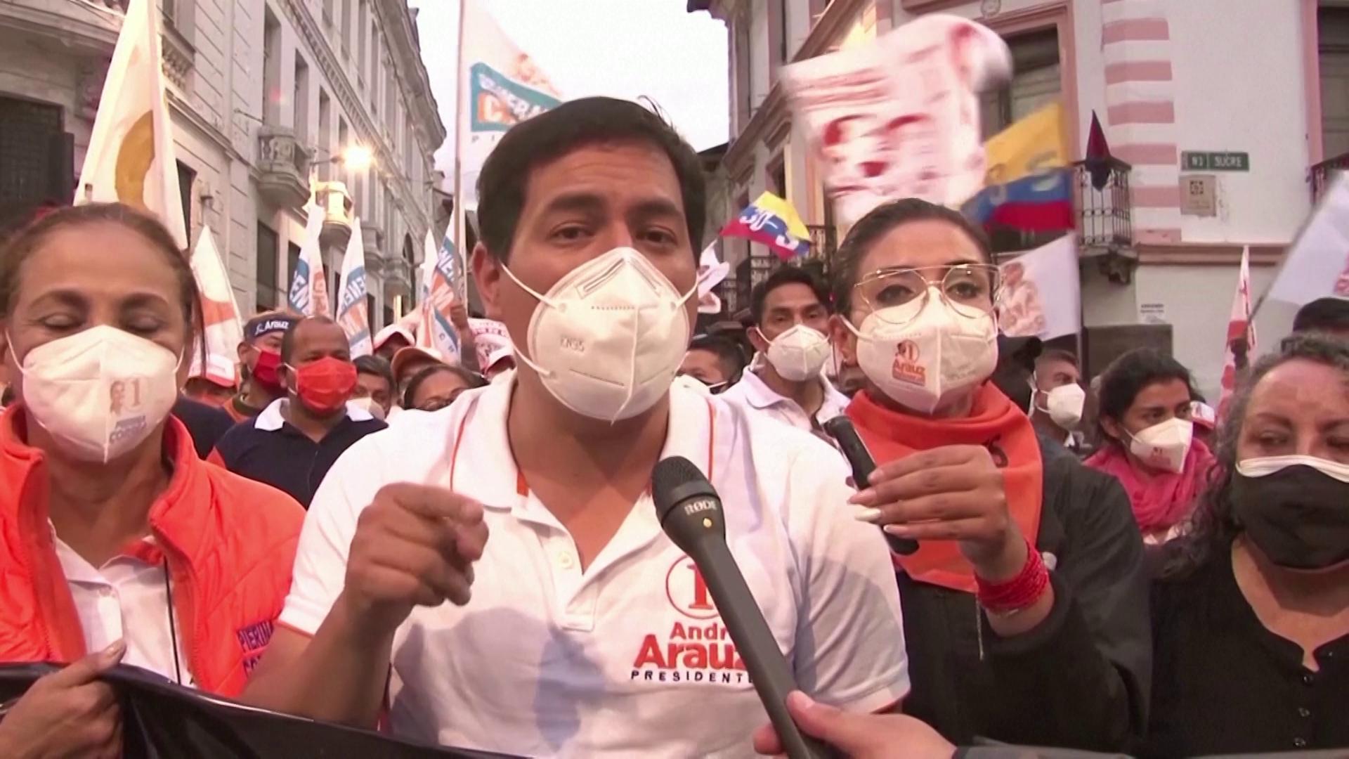 Andrés Arauz, apoiado por Rafael Correa, lidera as pesquisas no Equador