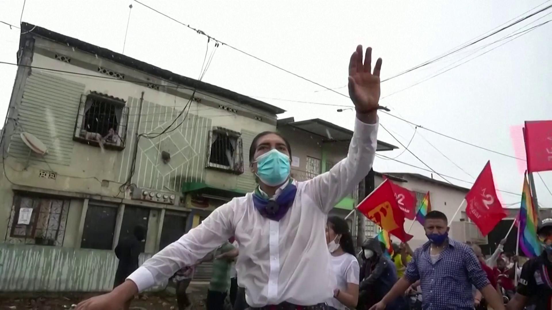 Yaku Pérez quer proibir mineração industrial perto de rios