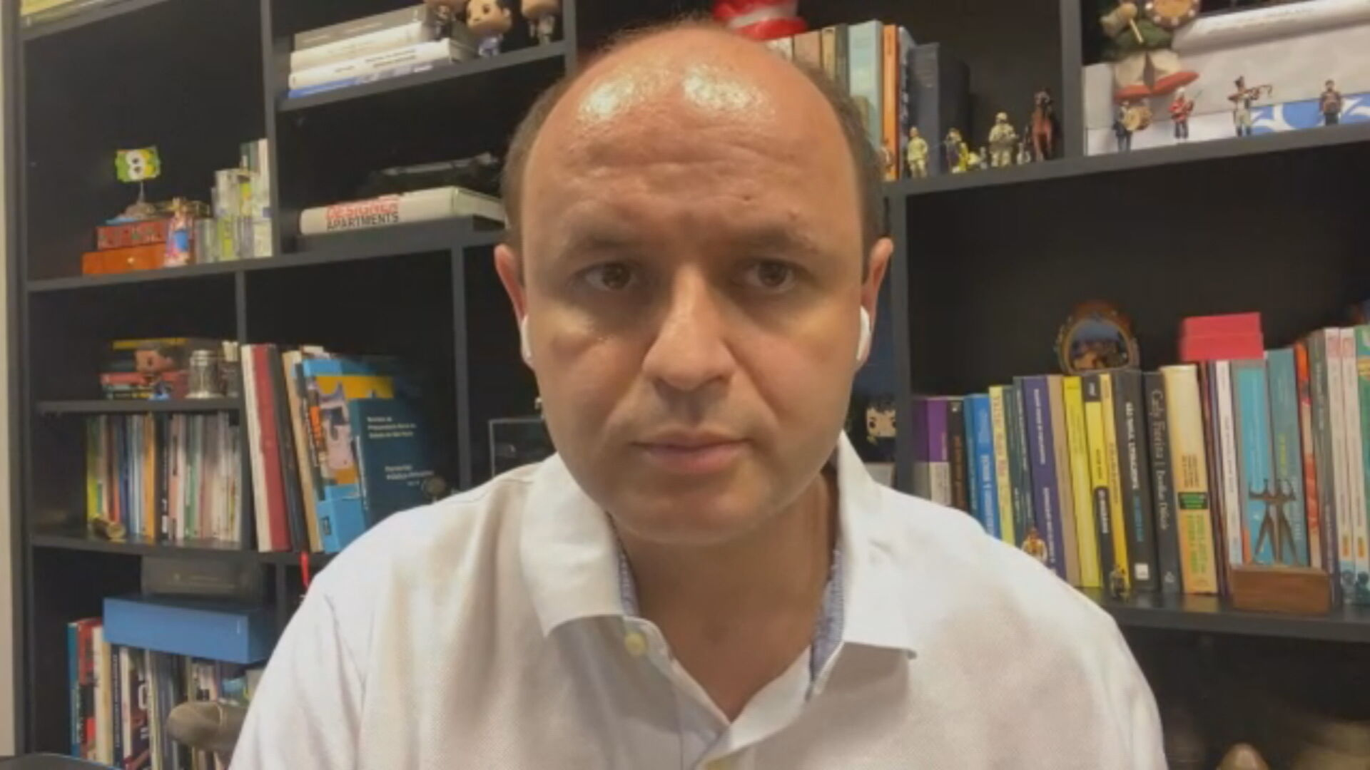 O secretário estadual Rossieli Soares defendeu o retorno do ensino presencial
