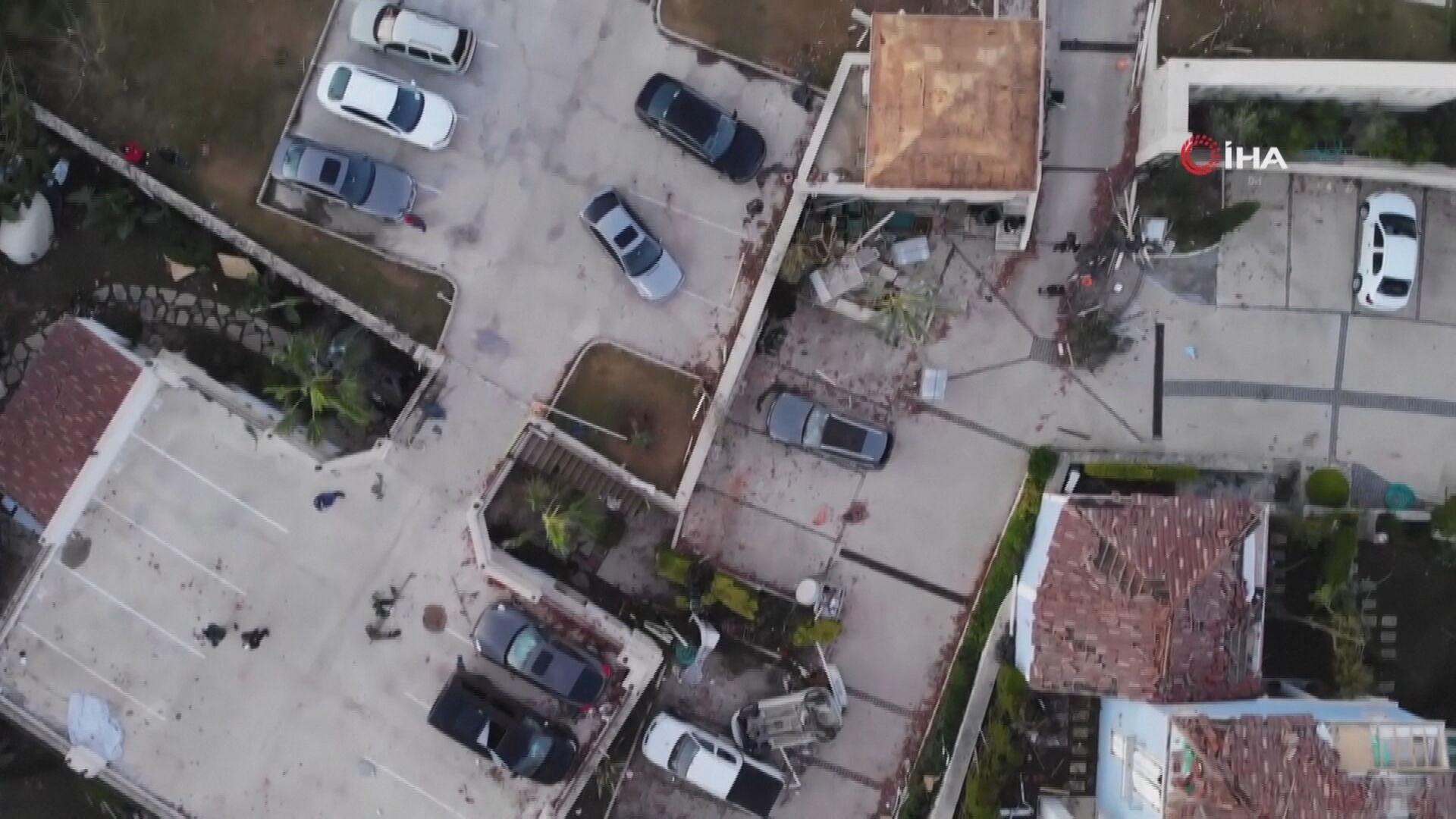 Carro e casas fora danificadas após passagem de tornado na Turquia