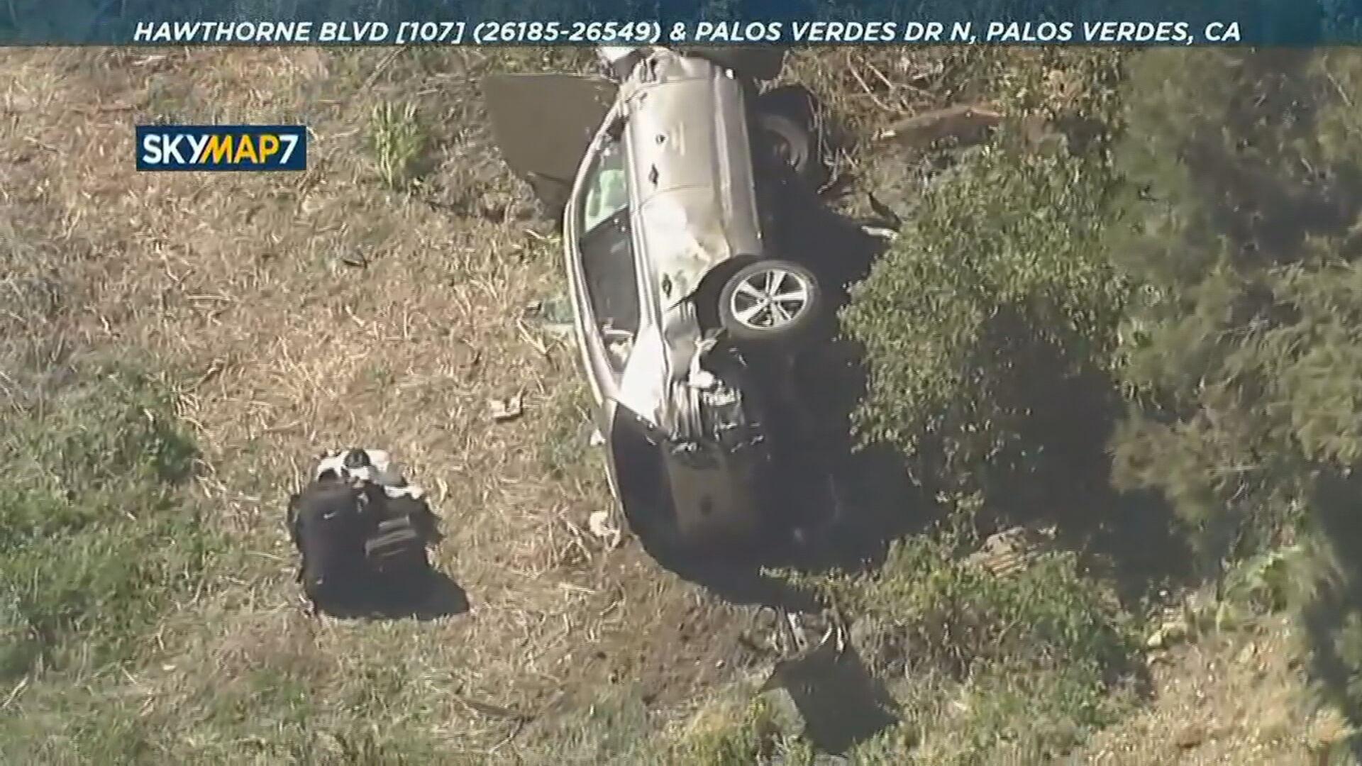 Jogador de golfe Tiger Woods sofre grave acidente de carro nos Estados Unidos (2