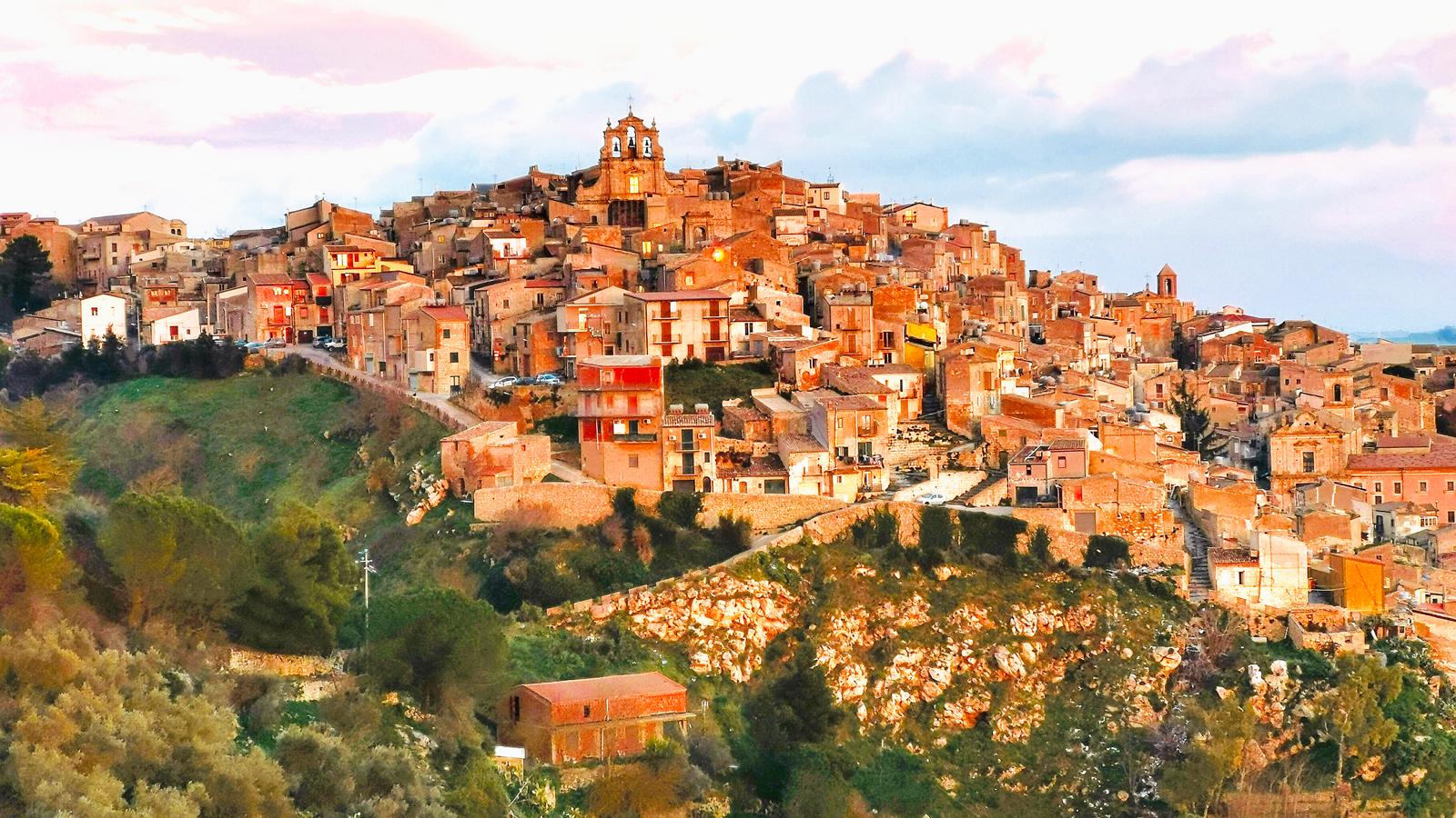 Mussomeli, na Sicília, também recebeu questionamentos sobre venda de casas