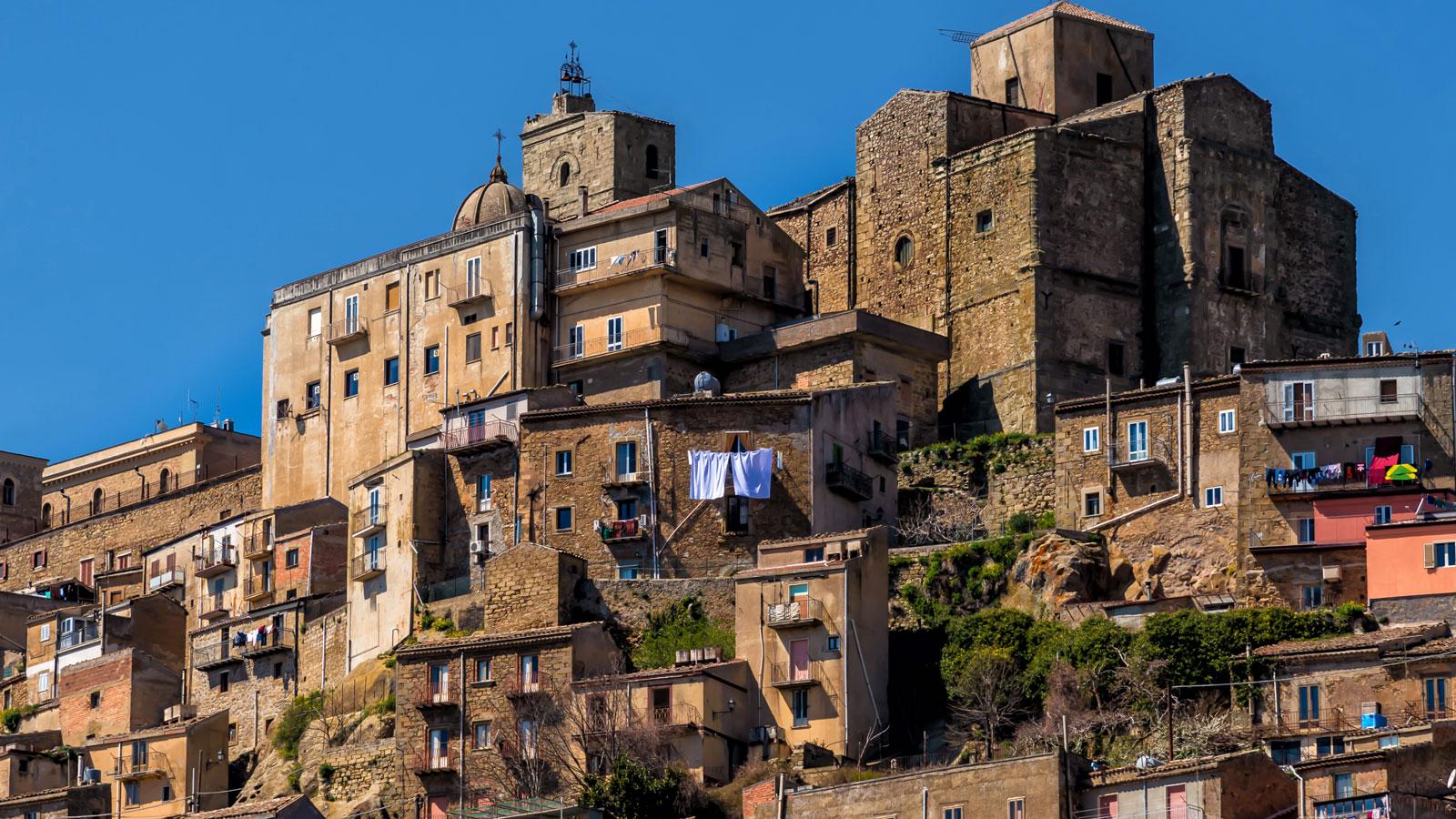 Troina, na Sicília, disse que descendentes consideram voltar a vive na cidade