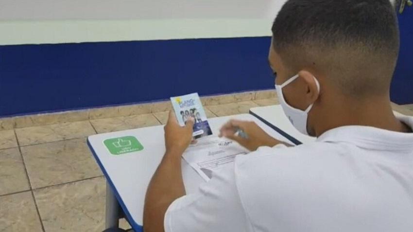 Alunos retornam às escolas estaduais do Rio de Janeiro