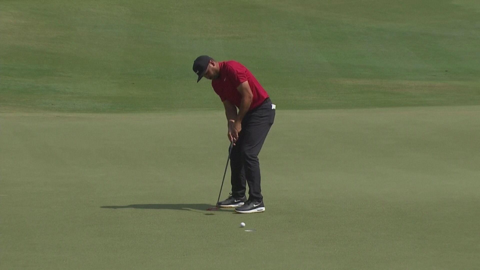 Tiger Woods é conhecido por jogar vestido nas cores vermelho e preto