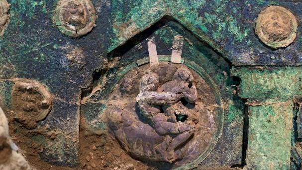 Imagens mostram detalhes da carruagem encontrada em Pompeia