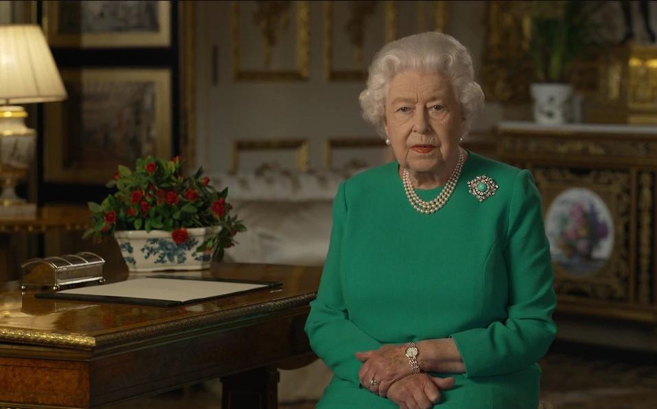 A rainha Elizabeth da Inglaterra em anúncio de Páscoa
