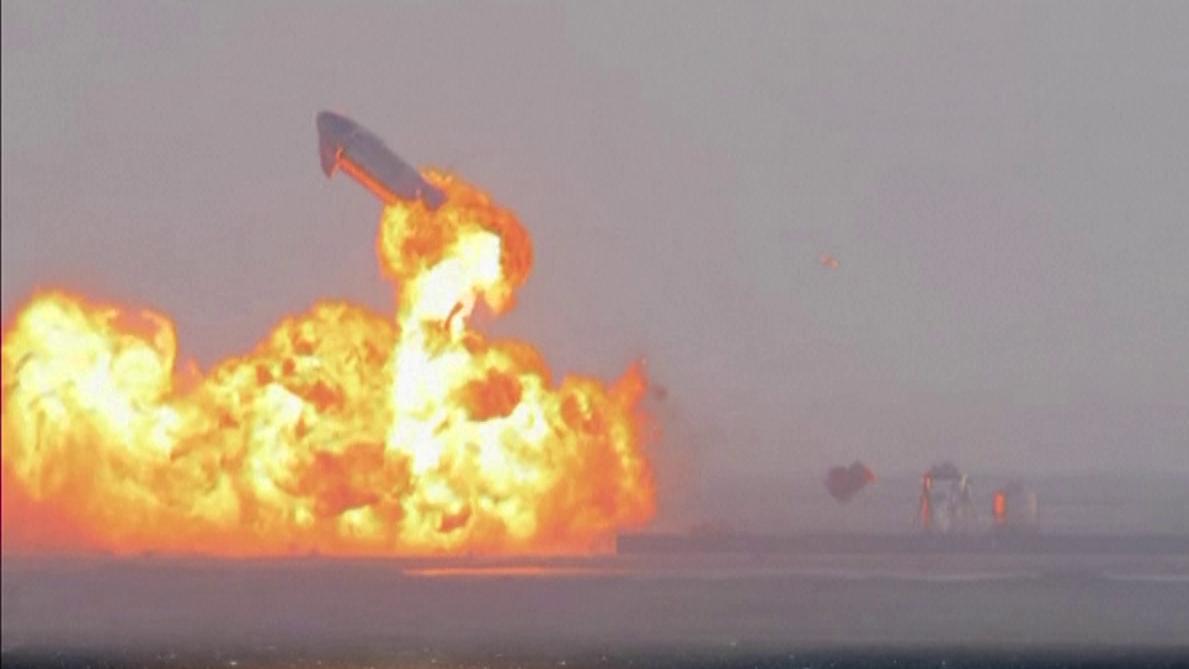 Protótipo da SpaceX explodiu pouco depois de pousar em base no Texas
