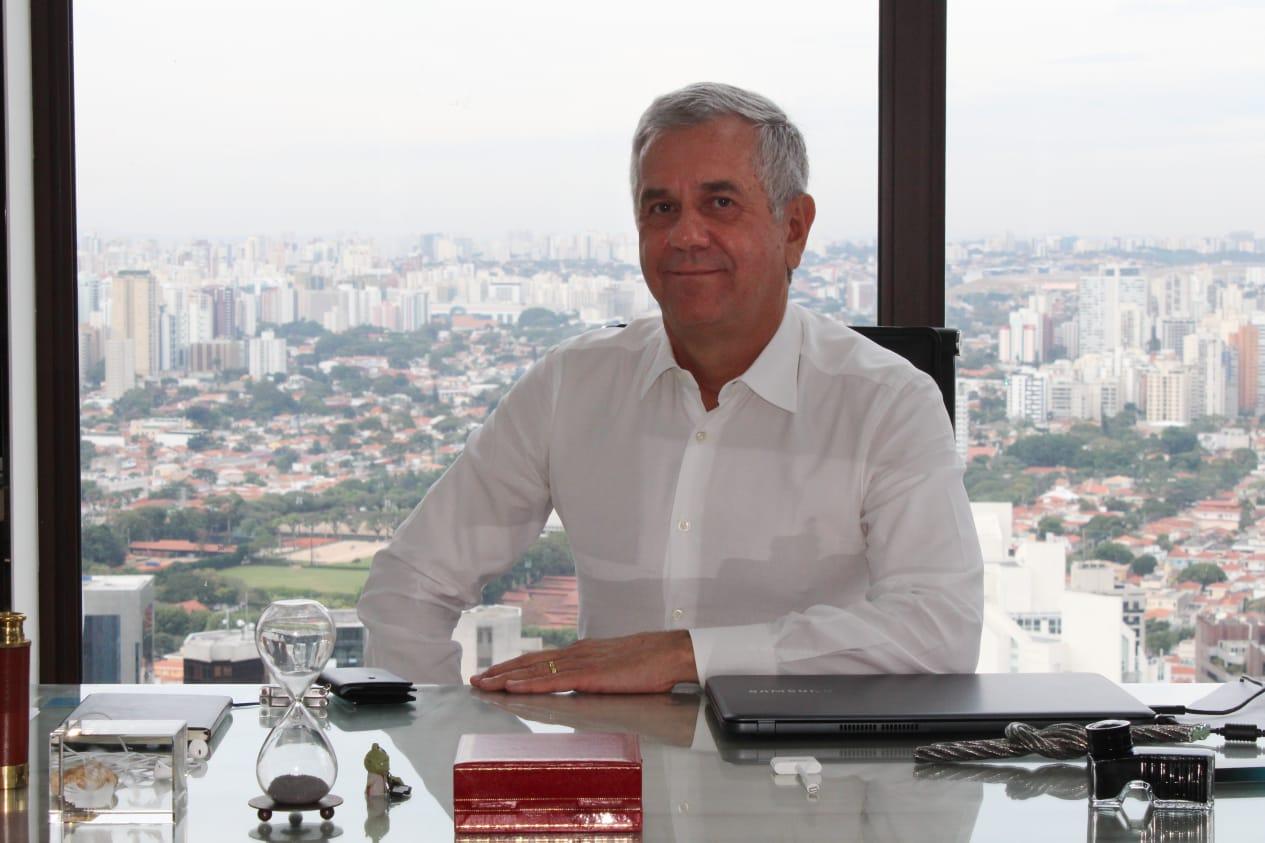 Yon Moreira Surf telecom