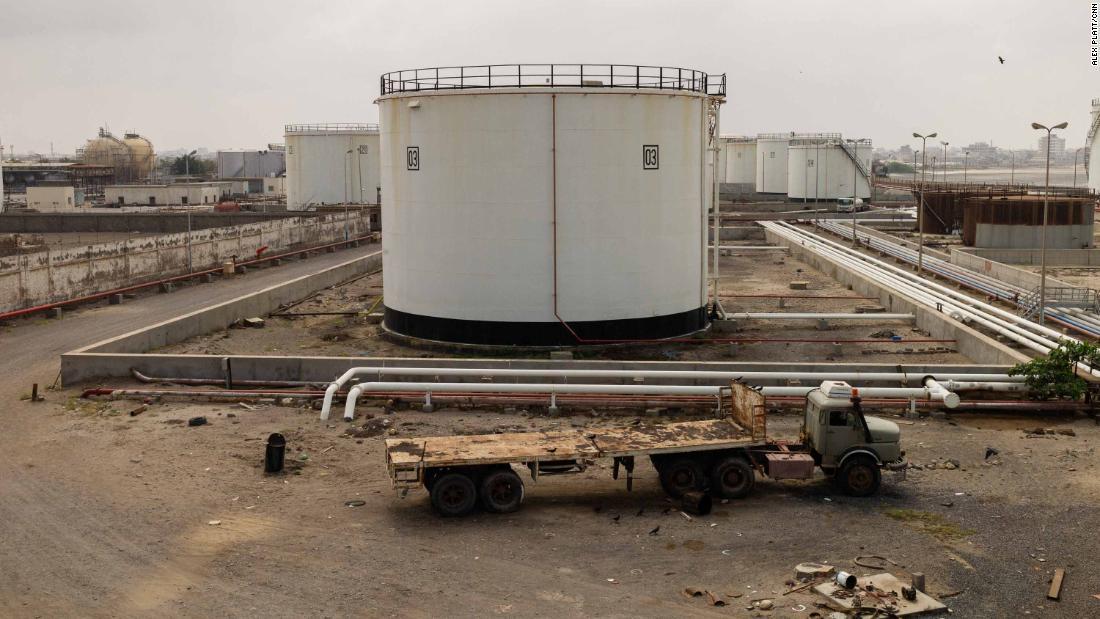 Estoque de combustível do porto de Hodeidah, Iêmen