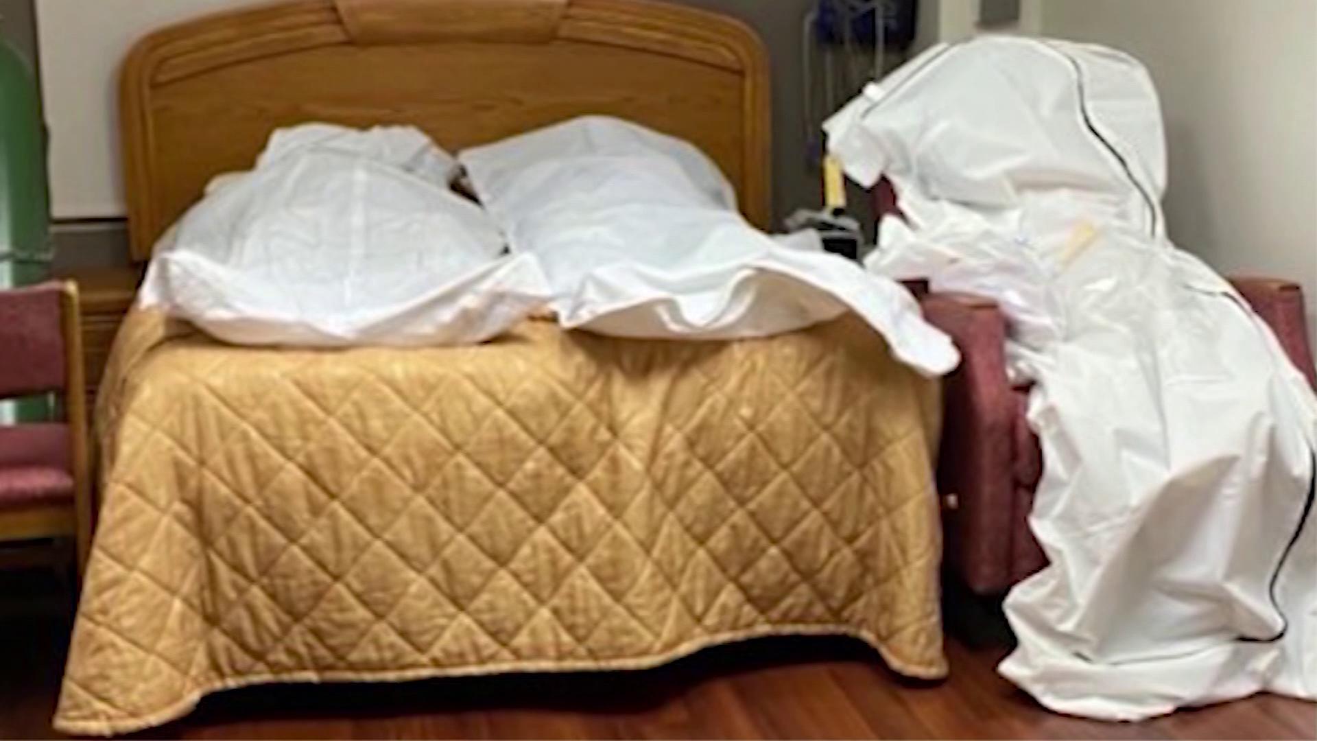Corpos foram armazenados em cama e poltrona em quarto de hospital de Detroit