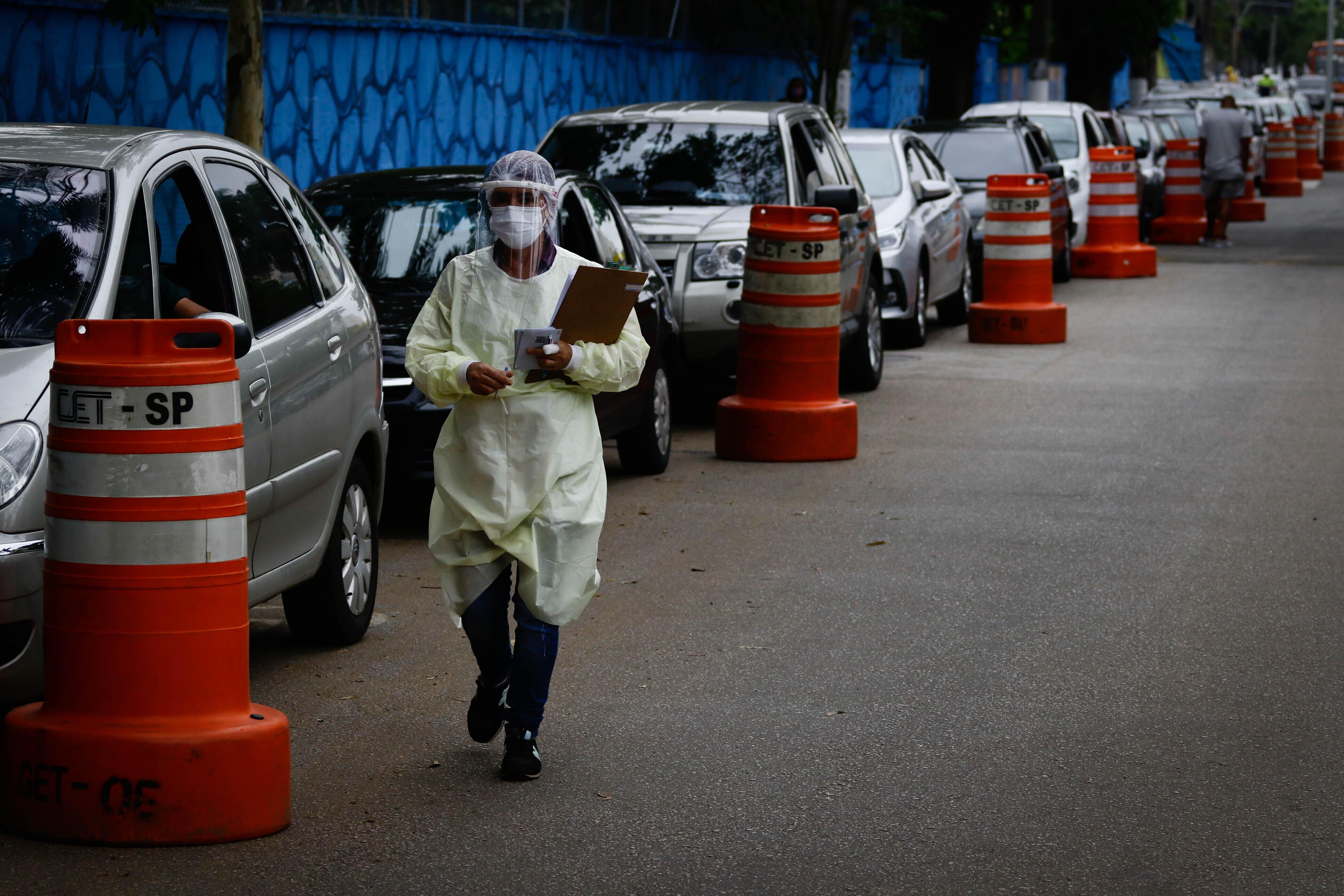 Covid-19: São Paulo inicia vacinação de idosos entre 72 e 74 anos