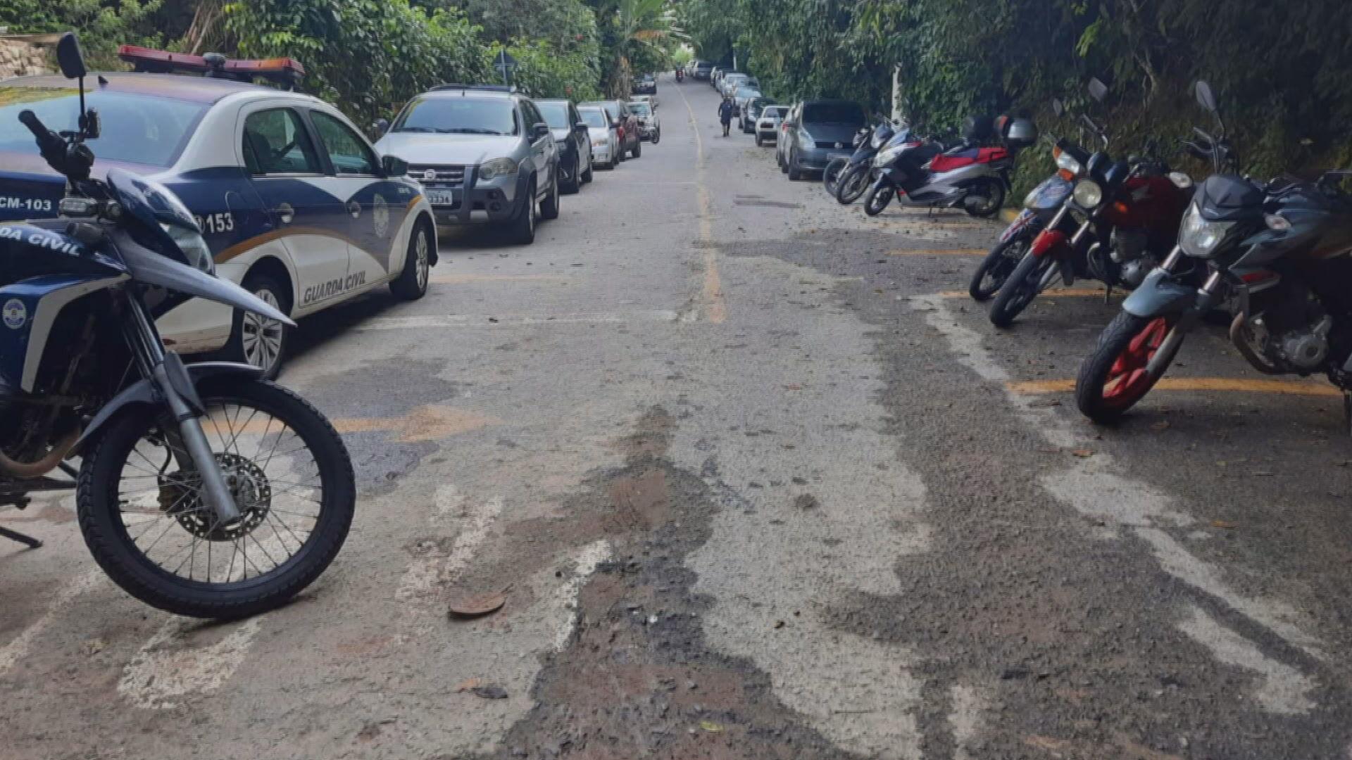 Guarda civil municipal interrompe festa clandestina no Guarujá