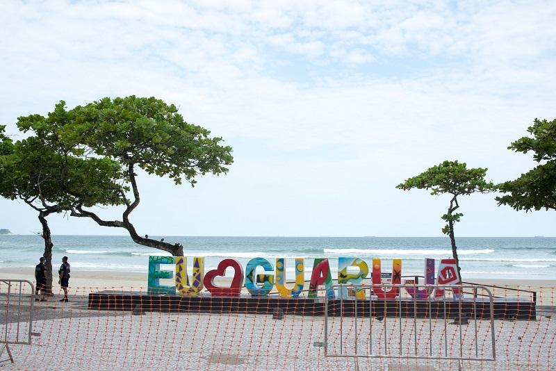 Interdição de praias no Guarujá, no litoral de São Paulo
