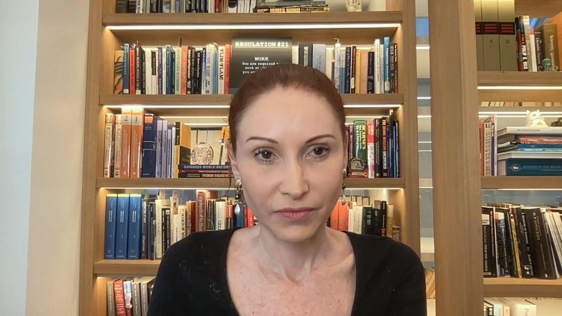 A microbiologista Natalia Pasternak explicou as reinfecções de Covid