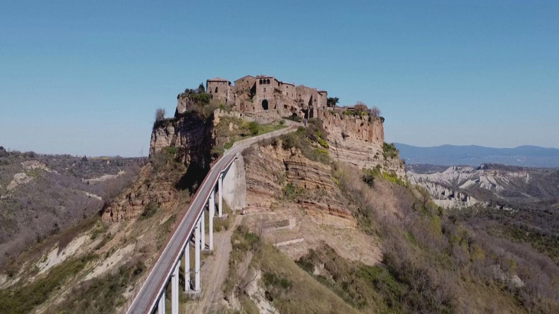 Vilarejo de Civita di Bagnoregio, na Itália (06.abr.2021)