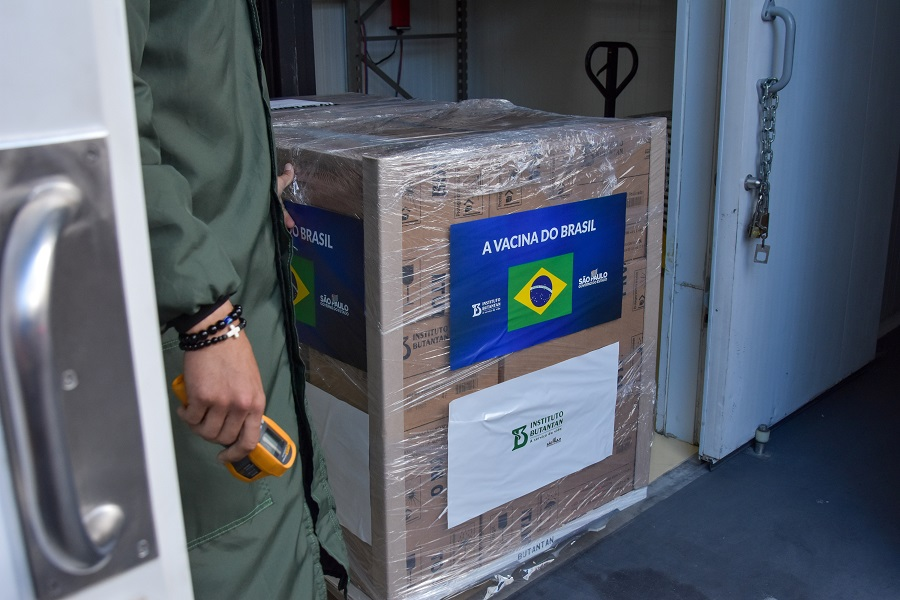 Butantan entrega lote da Coronavac para o Ministério da Saúde