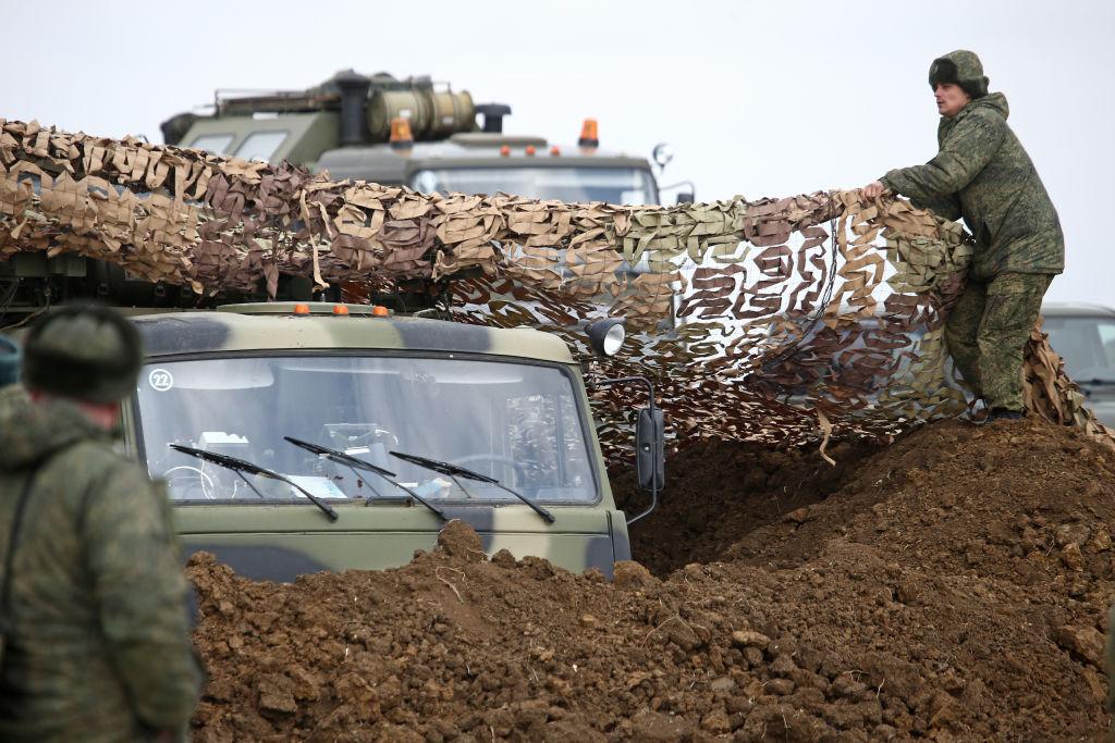 Exército russo faz exercício na região da Crimeia