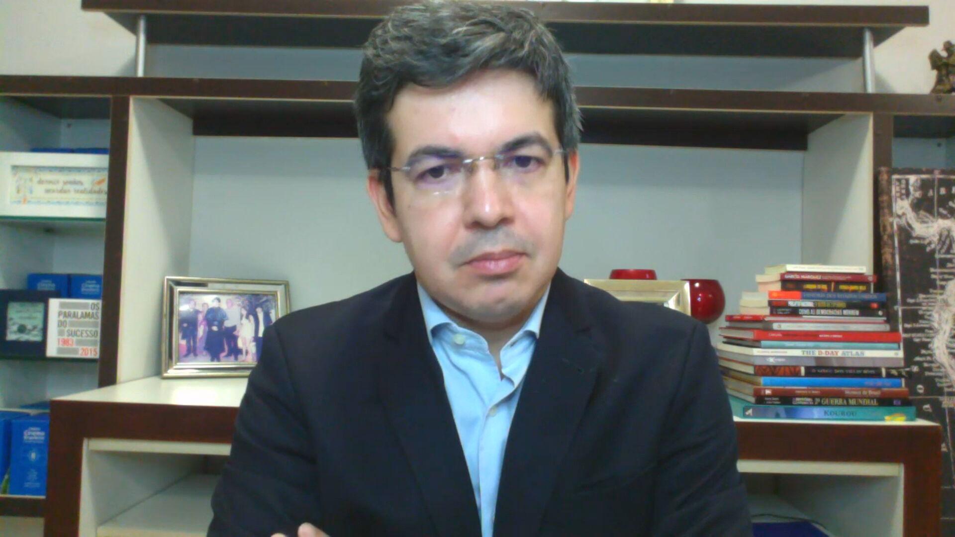 O senador Randolfe Rodrigues (REDE-AP) 12.abr.2021)