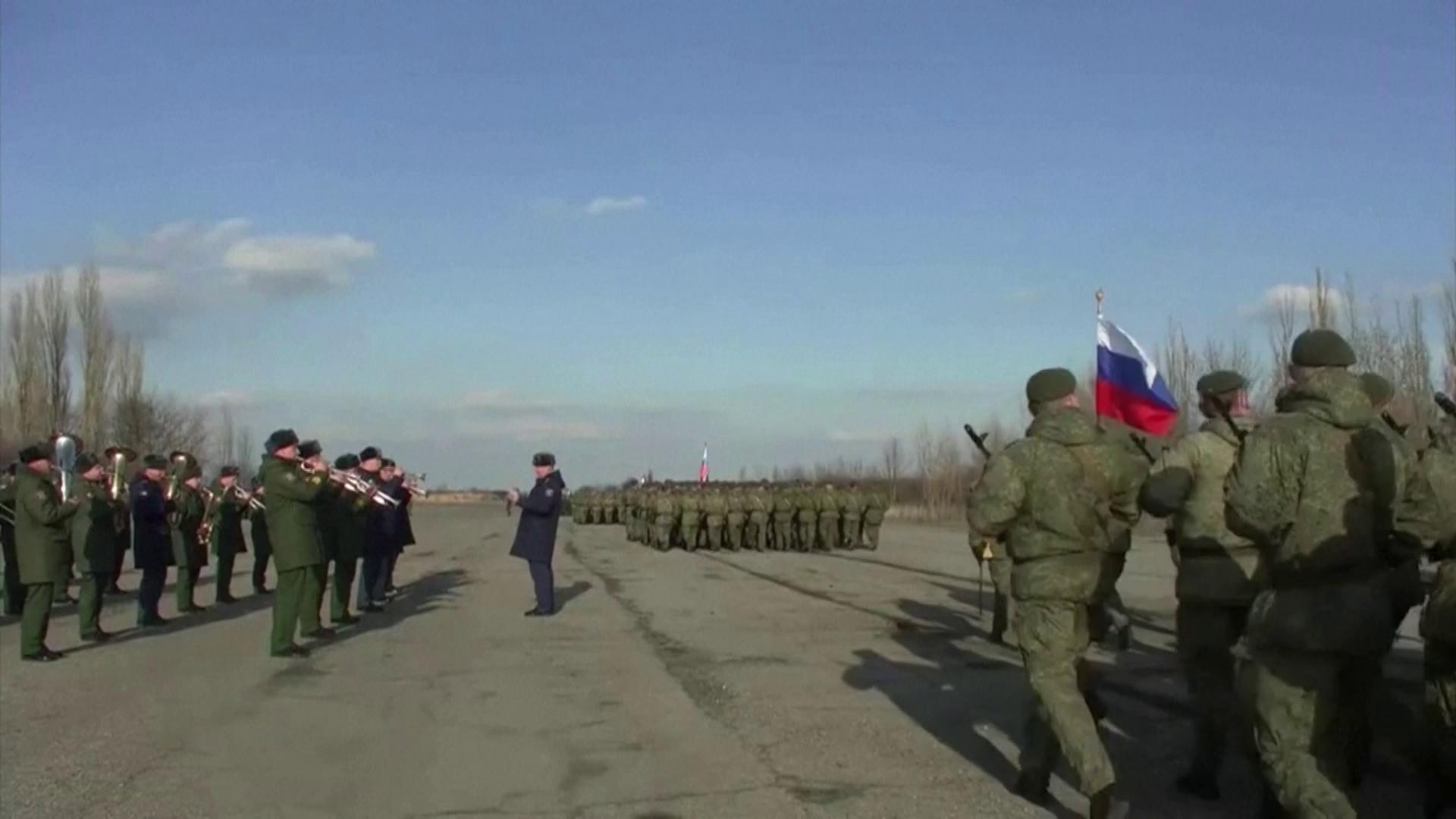 Unidades militares russas fazem exercícios perto da fronteira com a Ucrânia