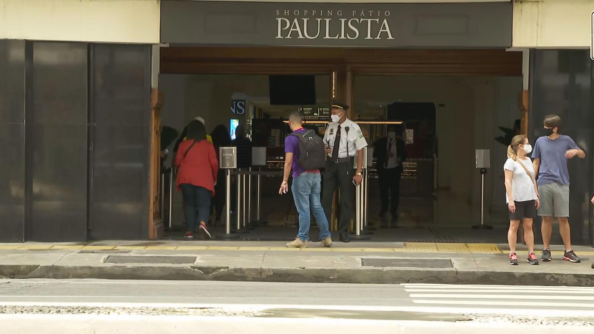 Shoppings e lojas de rua reabrem em São Paulo neste domingo (18)