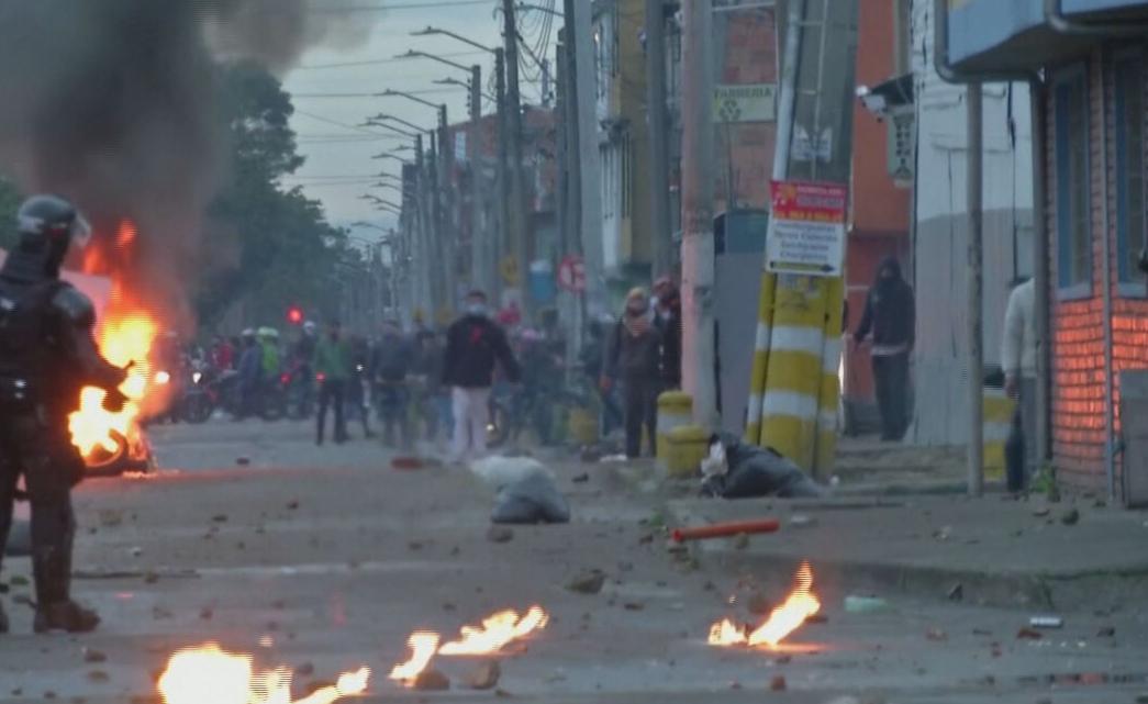 Manifestantes protestam contra reforma tributária na Colômbia (01.mai.2021)