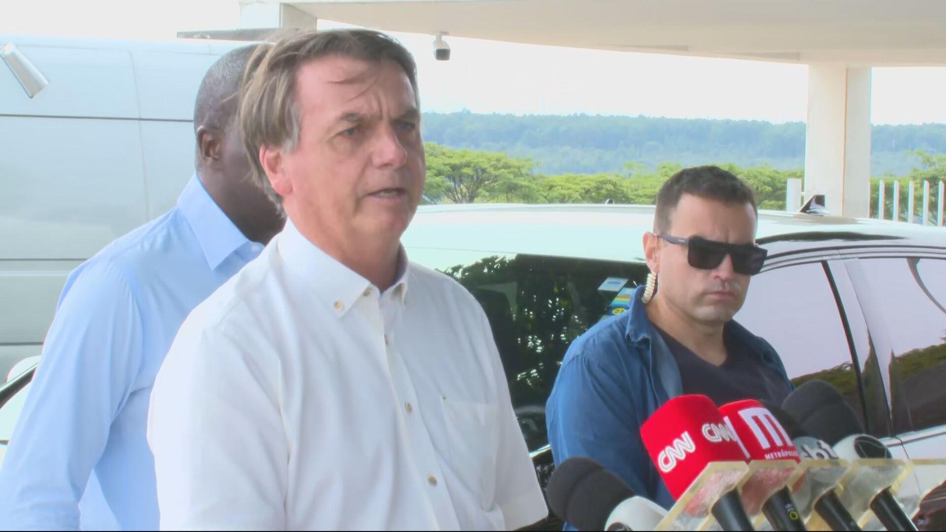 Bolsonaro no Alvorada (2 de maio de 2021)