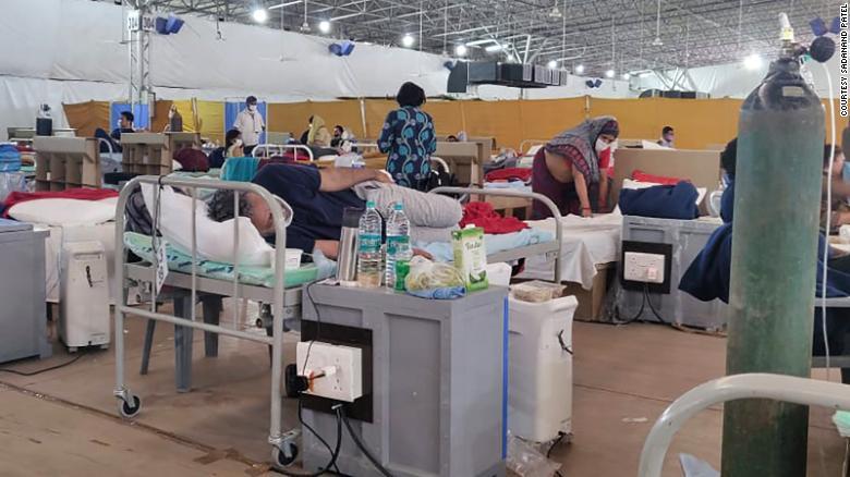 O hospital Sardar Patel Covid, na Índia, por dentro