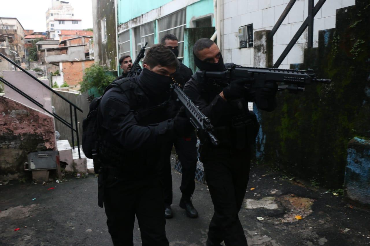 BA: Polícia prendeu 6 suspeitos por assassinato de homens que furtaram mercado