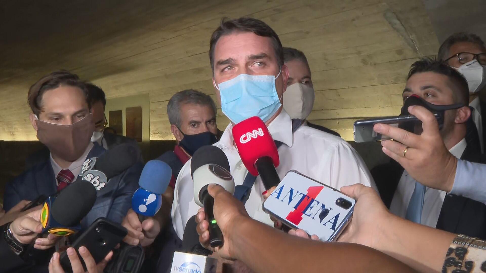 Senador Flávio Bolsonaro (Republicanos-RJ) em entrevista no Senado Federal (12.m
