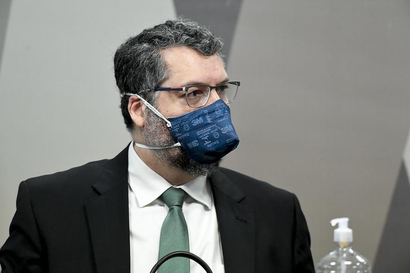 Ex-ministro das Relações Exteriores Ernesto Araújo presta depoimento à CPI