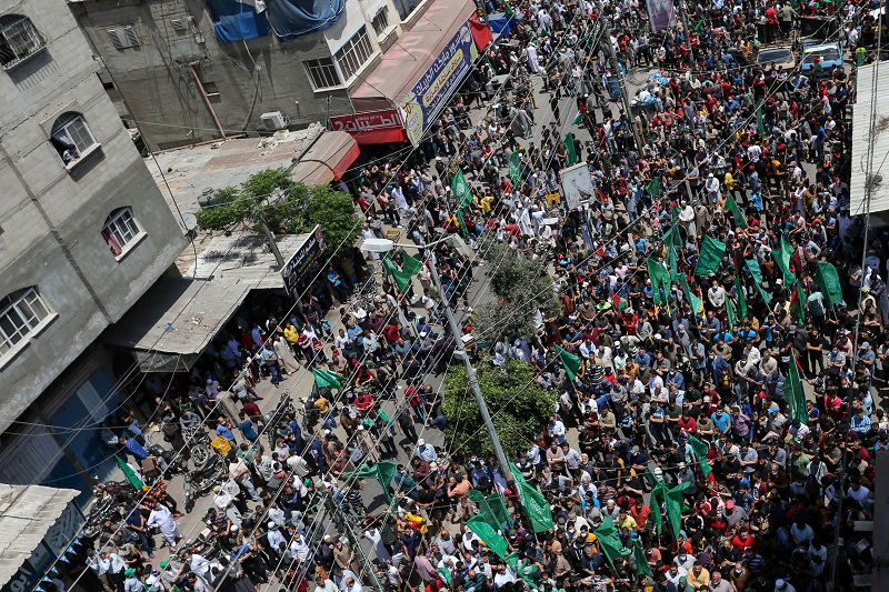 Apoiadores do Hamas nas ruas de Gaza após trégua no conflito com Israel