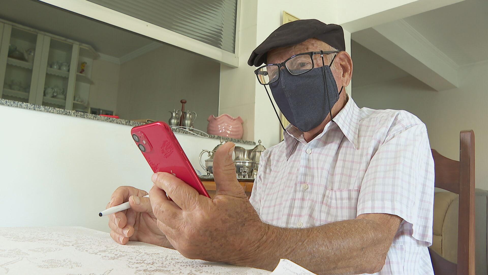 Número de idosos que acessa a internet aumentou no Brasil
