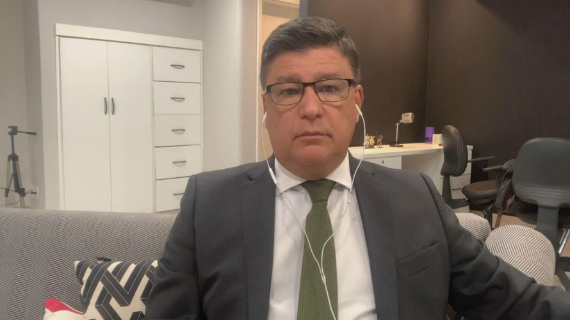 O senador Carlos Viana (PSD-MG) conversou com a CNN sobre a CPI da Pandemia