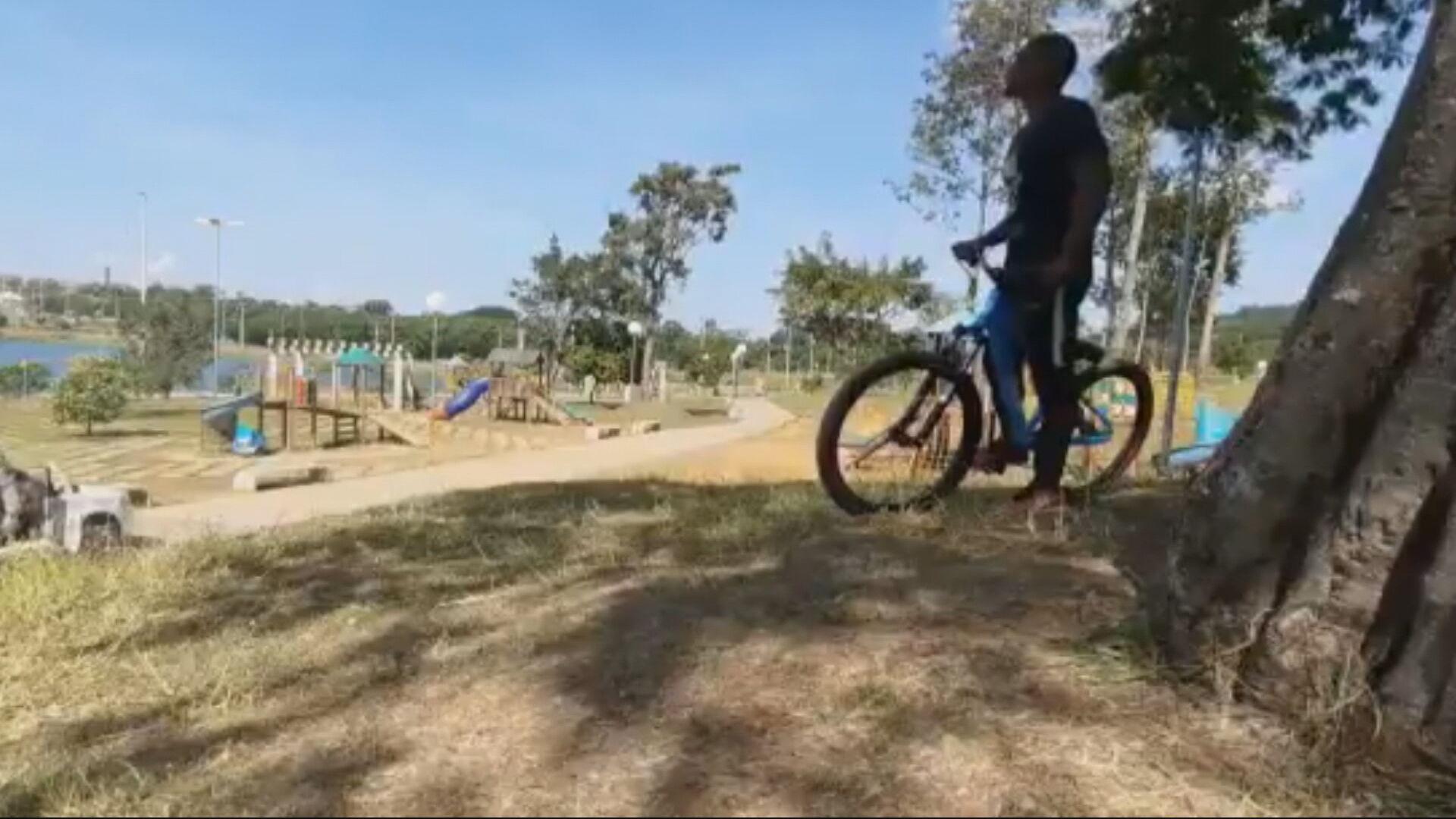 Ciclista que foi abordado pela polícia (29-05-2021)