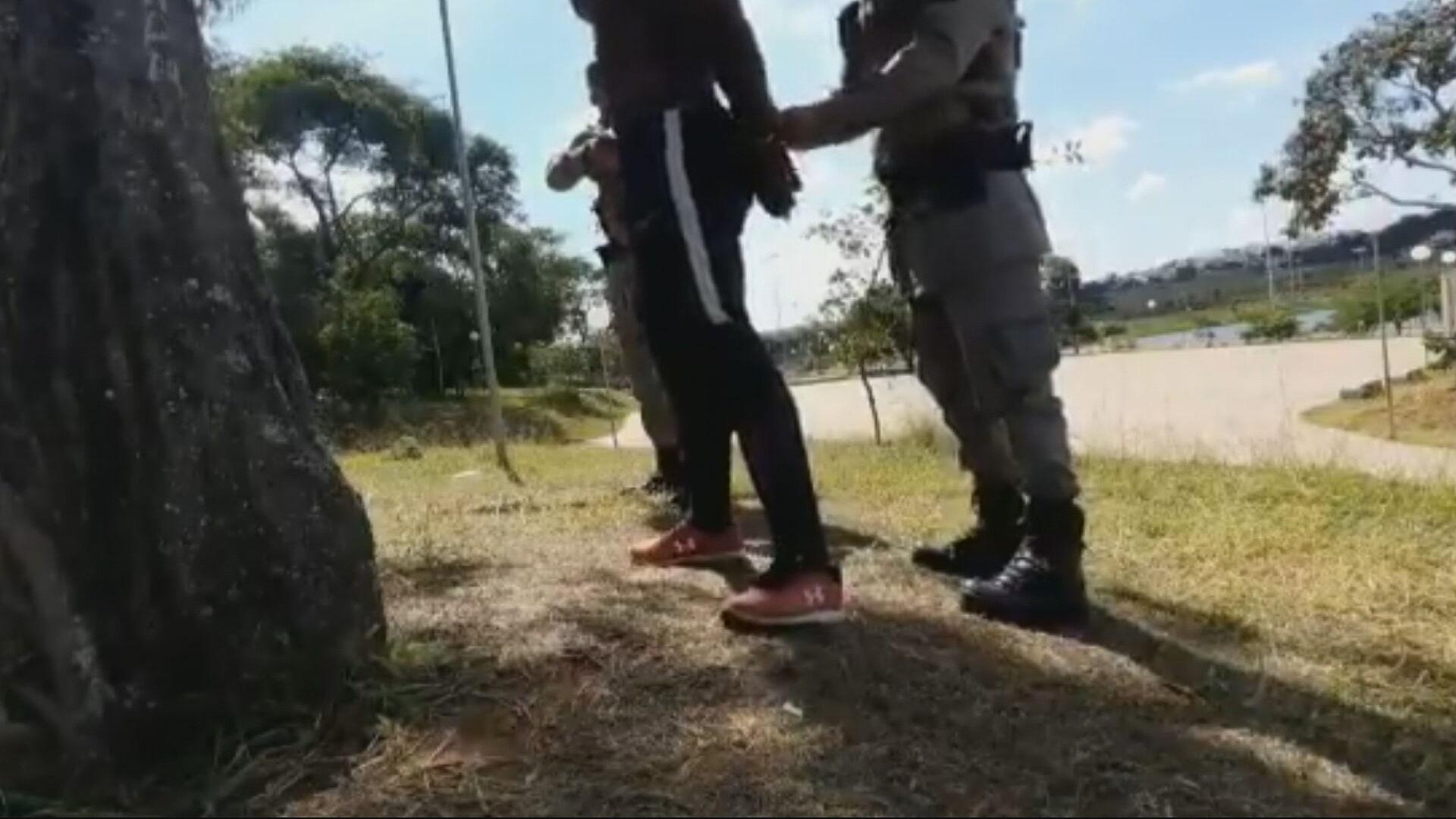 MP investiga abordagem policial a homem negro (29-05-2021)