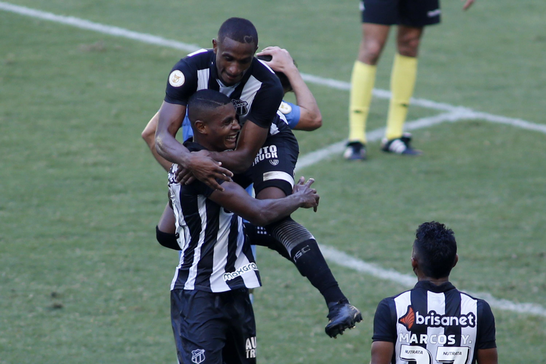 Comemoração do gol de Cleber, do Ceará, sobre o Grêmio