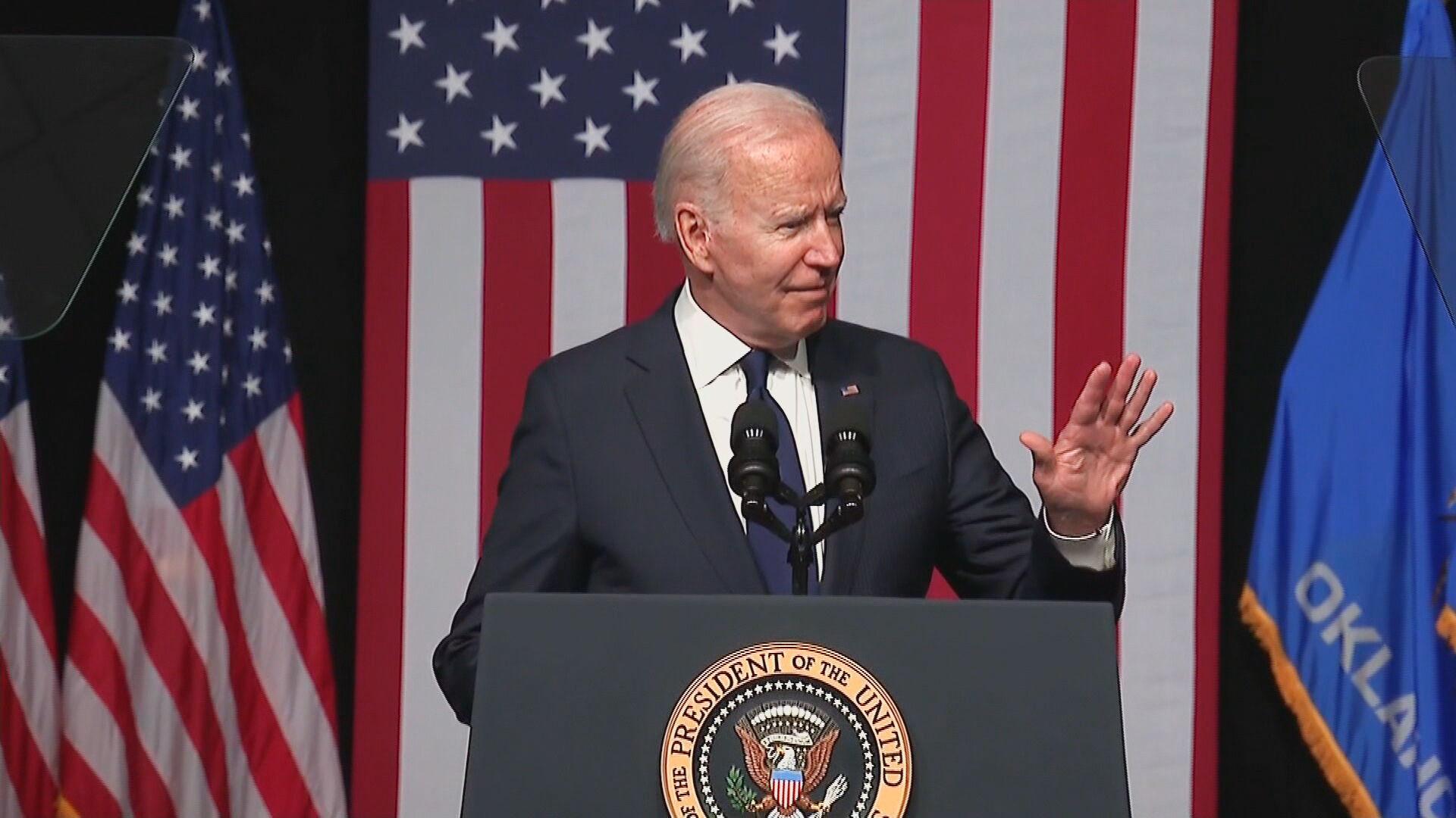Presidente dos EUA Joe Biden visita Tulsa, que foi palco de massacre há 100 anos