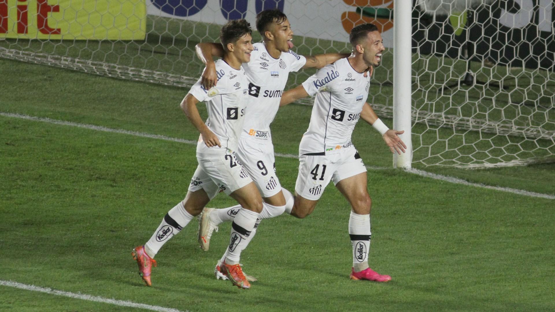Jovem Kaio Jorge fez um dos gols da vitória do Peixe na Vila Belmiro