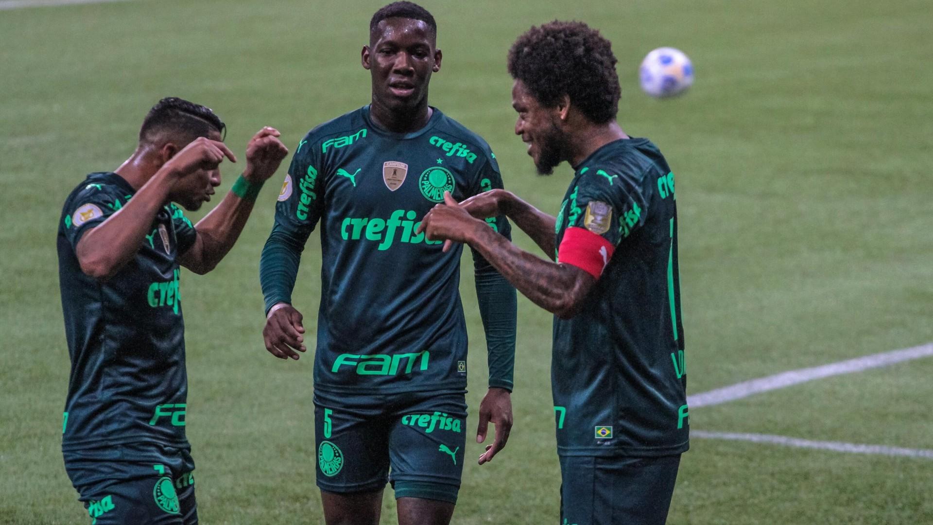 Palmeiras conseguiu sua primeira em casa neste domingo (6) contra a Chapecoense