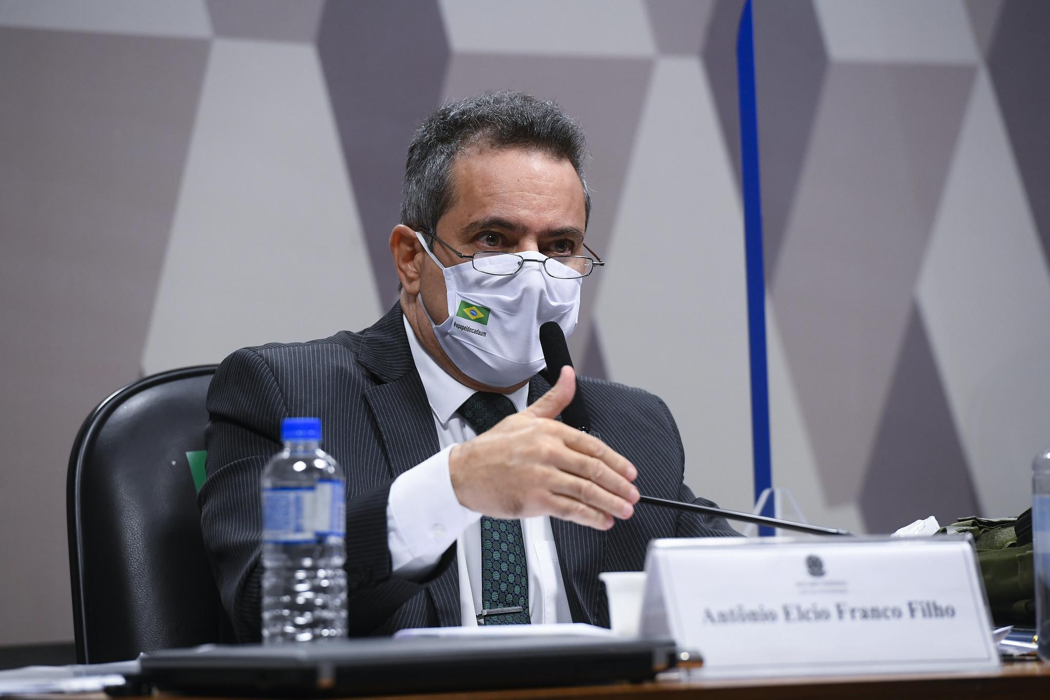 Elcio Franco presta depoimento à CPI da Pandemia