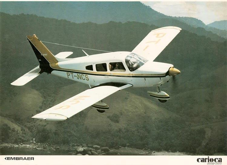 Avião da Embraer Carioca