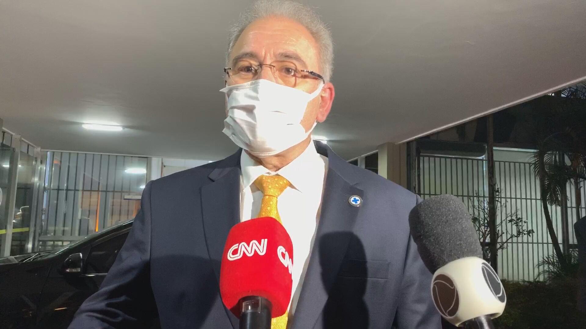 O ministro da Saúde, Marcelo Queiroga, falou com a reportagem da CNN
