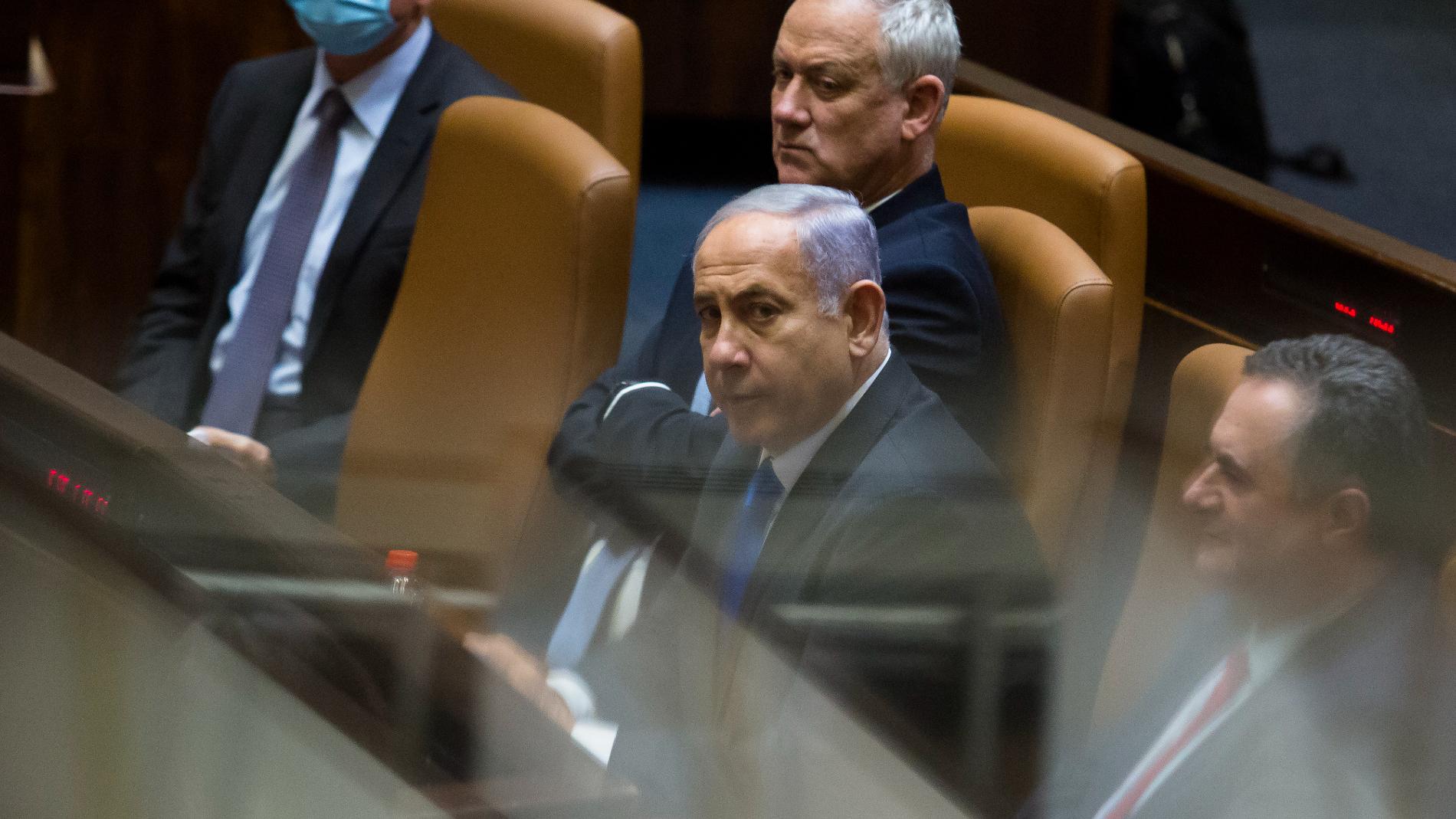 Benjamin Netanyahu durante sessão do parlamento