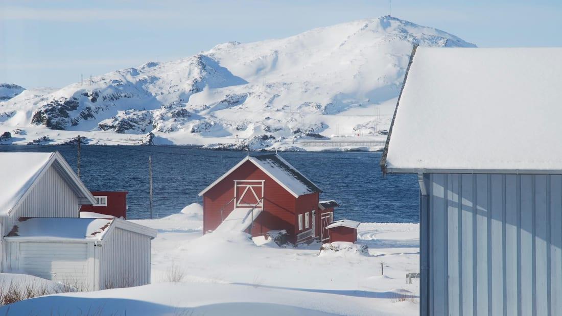 Mulher relata como foi viver por dois meses na escuridão do Ártico