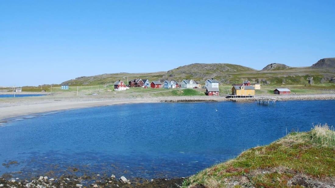 """No verão, a comunidade isolada na Noruega torna-se mais """"alegre"""""""