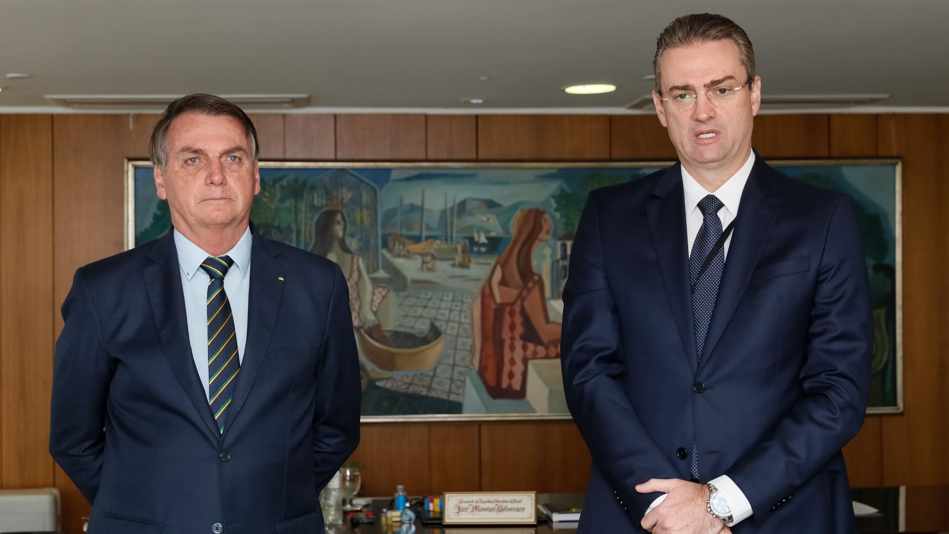 Bolsonaro durante assinatura do Termo de Posse de Rolando Alexandre.