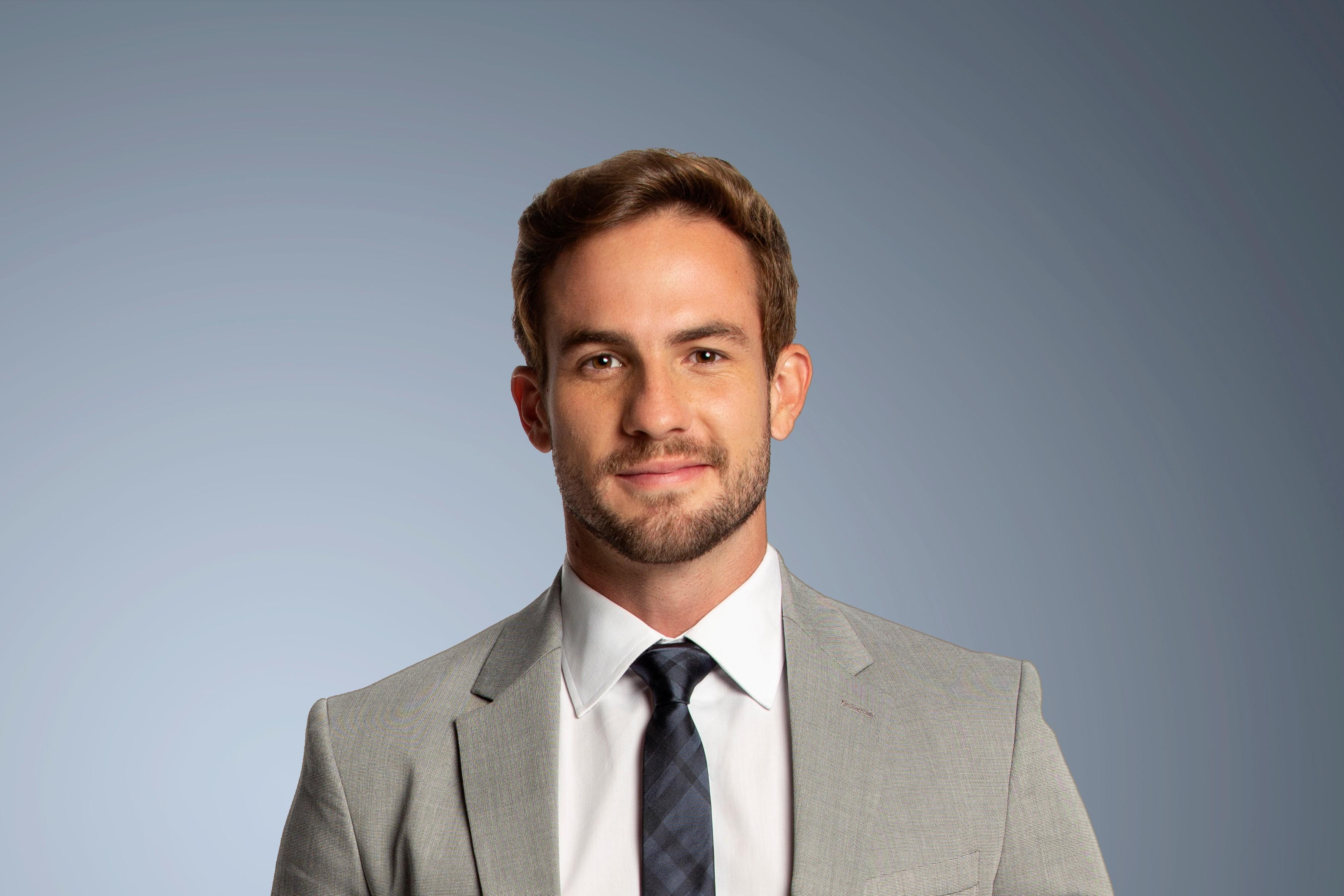 Daniel Adjuto apresentador e colunista CNN Brasil