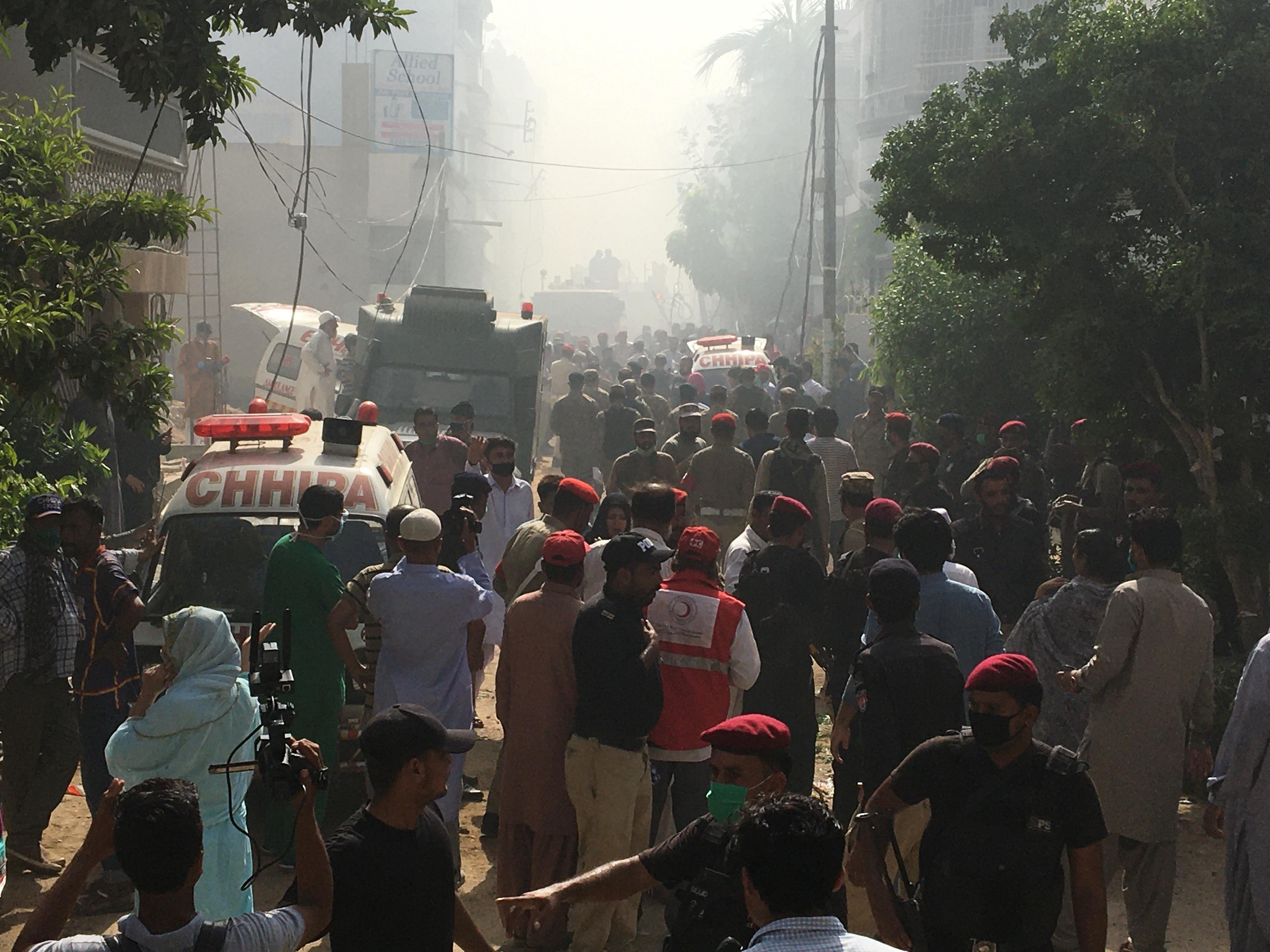Local onde o avião da Pakistan International Airlines caiu, em Karachi